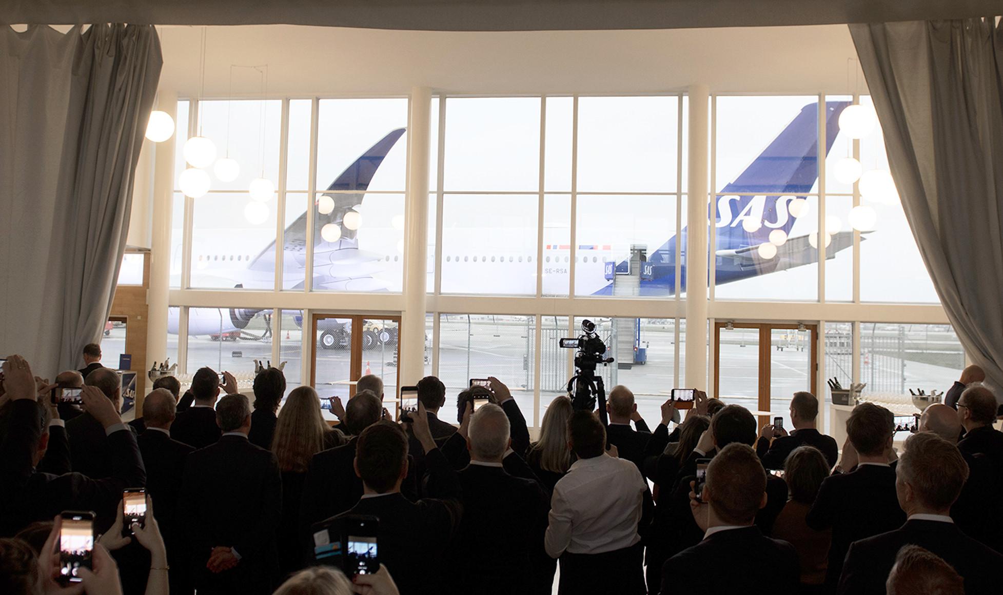 A350-8-Col_1955x1160_CPH_lancering